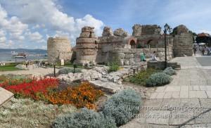 Крепостната стена в Несебър