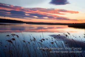 Залез над езерото Мандра