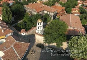 Етнографския музей и храм Св. Св. Константин и Елена