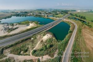 Магистрала Хемус пресича водни площи край Долни Богров